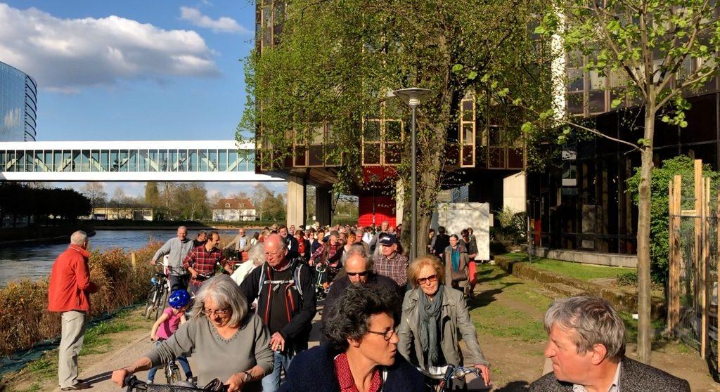 Quatrième manifestation lundi contre la fermeture des berges du Parlement autour d'un pique-nique