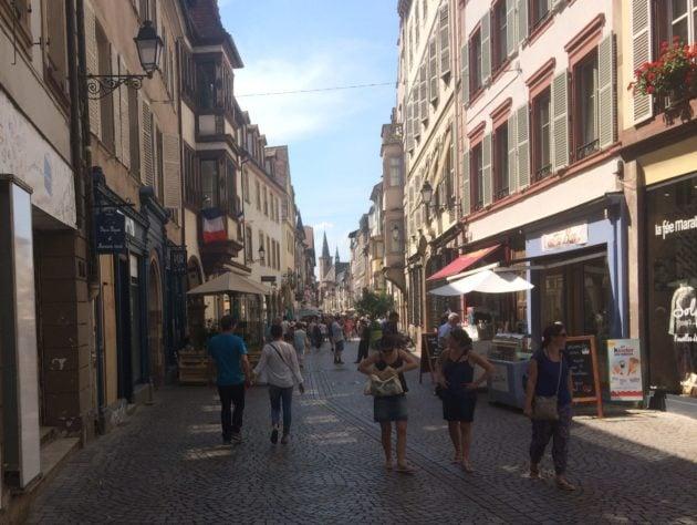 Certains grands axes du centre de Strasbourg sont incontournables (Photo JFG / Rue89 Strasbourg)