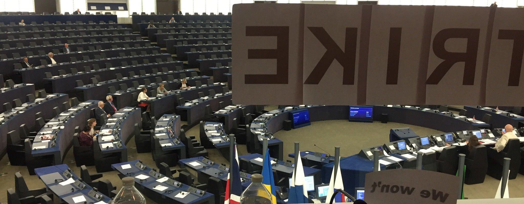 Épuisés, les interprètes du Parlement européen coupent le son