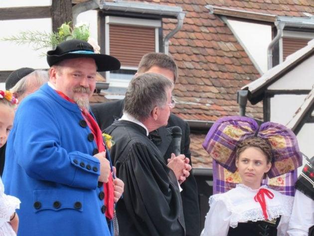 Pour certains, la relève du folklore alsacien n'est pas assurée... (Photo Judith Barbe / Rue89 Strasbourg / cc)