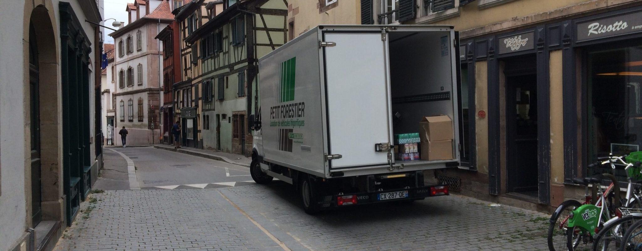 Les livraisons par poids-lourds restreintes dans le centre-ville