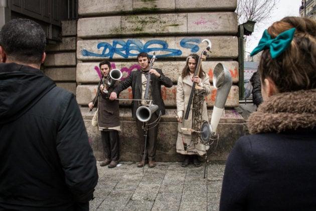 La fausse compagnie proposera 4 déambulations avec Le chant des pavillons, sur deux itinéraires différents (Photo Vincent Vanhecke)