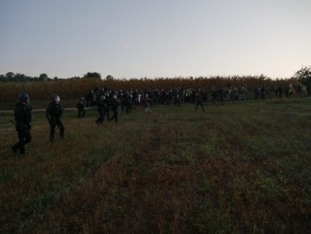 Les gendarmes mobiles ont procédé à l'évacuation méthodique des participants (Photo GK / Rue89 Strasbourg / cc)
