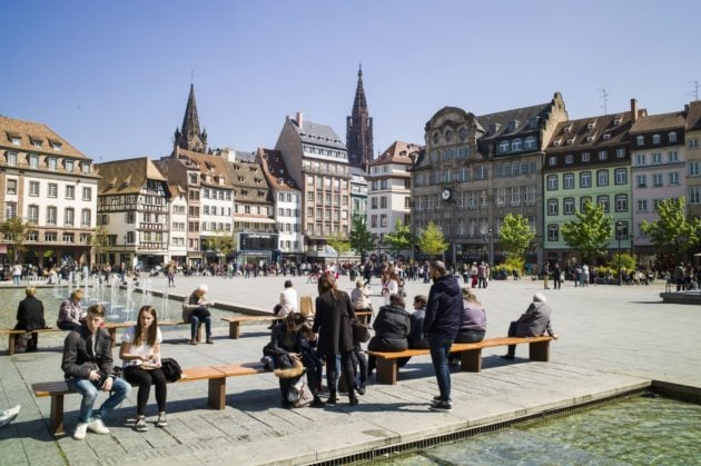 Les grandes places minérales de Strasbourg constituent des puits de chaleur (Photo Pascal Bastien / Divergence)