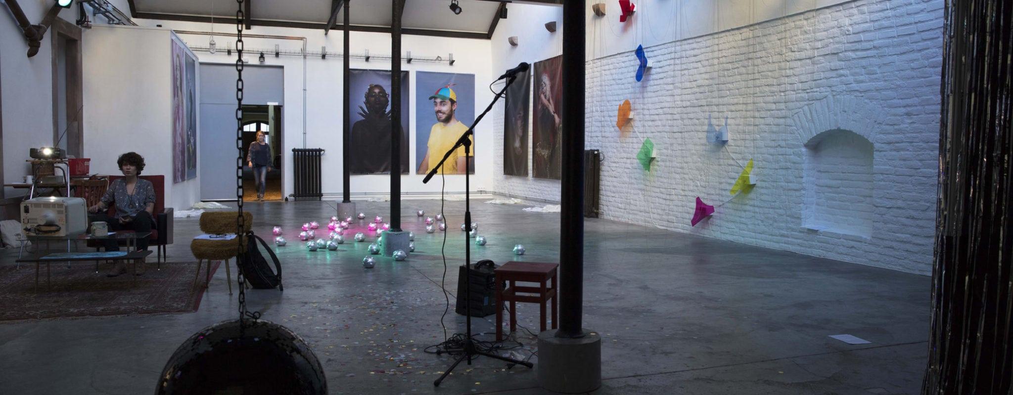 Timelight : entre disco et art contemporain, Le Tube éblouit jusqu'aux oreilles