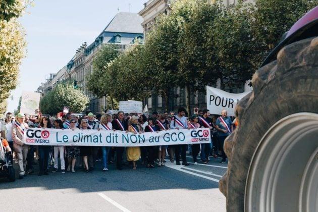 Des élus de plusieurs bords politiques demandent à Emmanuel Macron de suspendre le gco temps de réanalyser les estimations de trafic de 2013, qui indiquent une baisse de trafic inférieure à 10% sur l'A35. (Photo Abdesslam Mirdass)