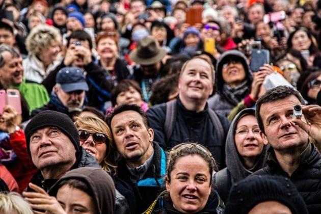 Des visages prêts à être détectés et reconnus... (Photo Visual Hunt / cc)