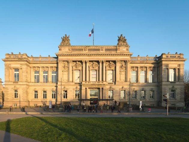 Le théâtre national de Strasbourg (TNS) vu depuis la place de la République (Photo Aloïs Peiffer / Wikimedia Commons / cc)