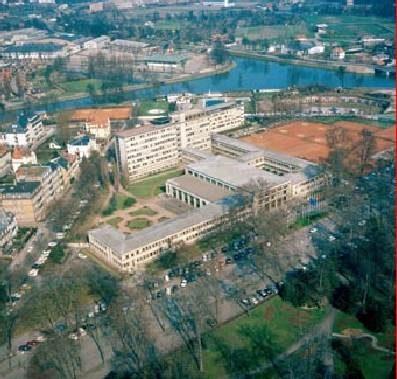 La Maison de l'Europe construite en 1950 face à l'Orangerie (auteur inconnu / source Archi wiki)