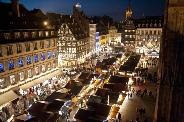 Trois ambiances pour le marché de Noël de Strasbourg 2018 (photo Pascal Bastien / Divergence)