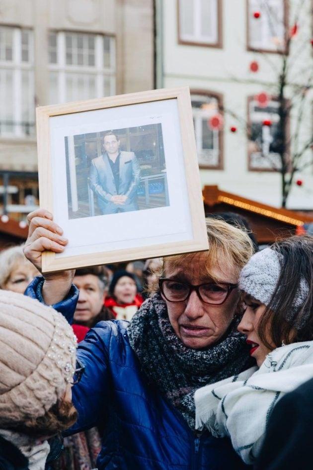Plusieurs personnes ont rendu hommage aux victimes assassinées (Photo Abdeslam Mirdass)
