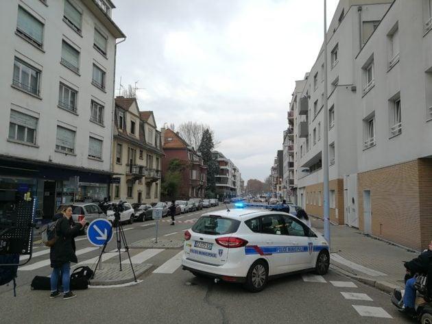 La police municipale a bouclé tout le quartier (Photo PP / Rue89 Strasbourg)