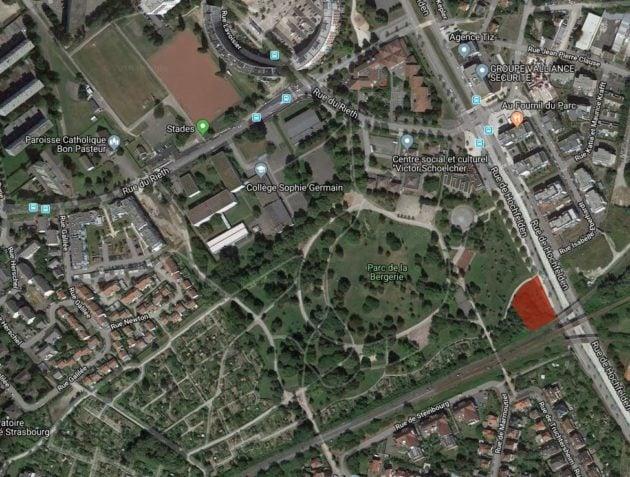 Le camp s'est installé dans un coin du parc de la Bergerie à Cronenbourg (Photo Google Maps)