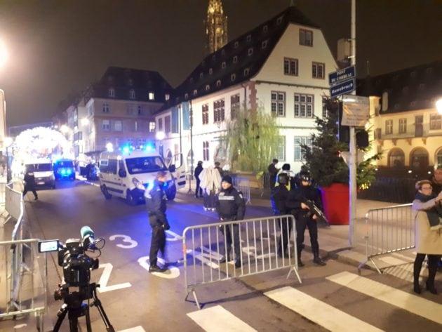 Les forces de l'ordre ont déployé d'importants effectifs pour sécuriser et rechercher l'individu (Photo PP / Rue89 Strasbourg)