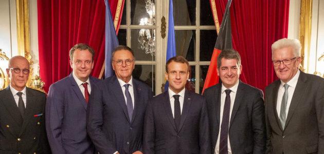 Une com' précipitée d'Emmanuel Macron complique le téléphérique Europapark