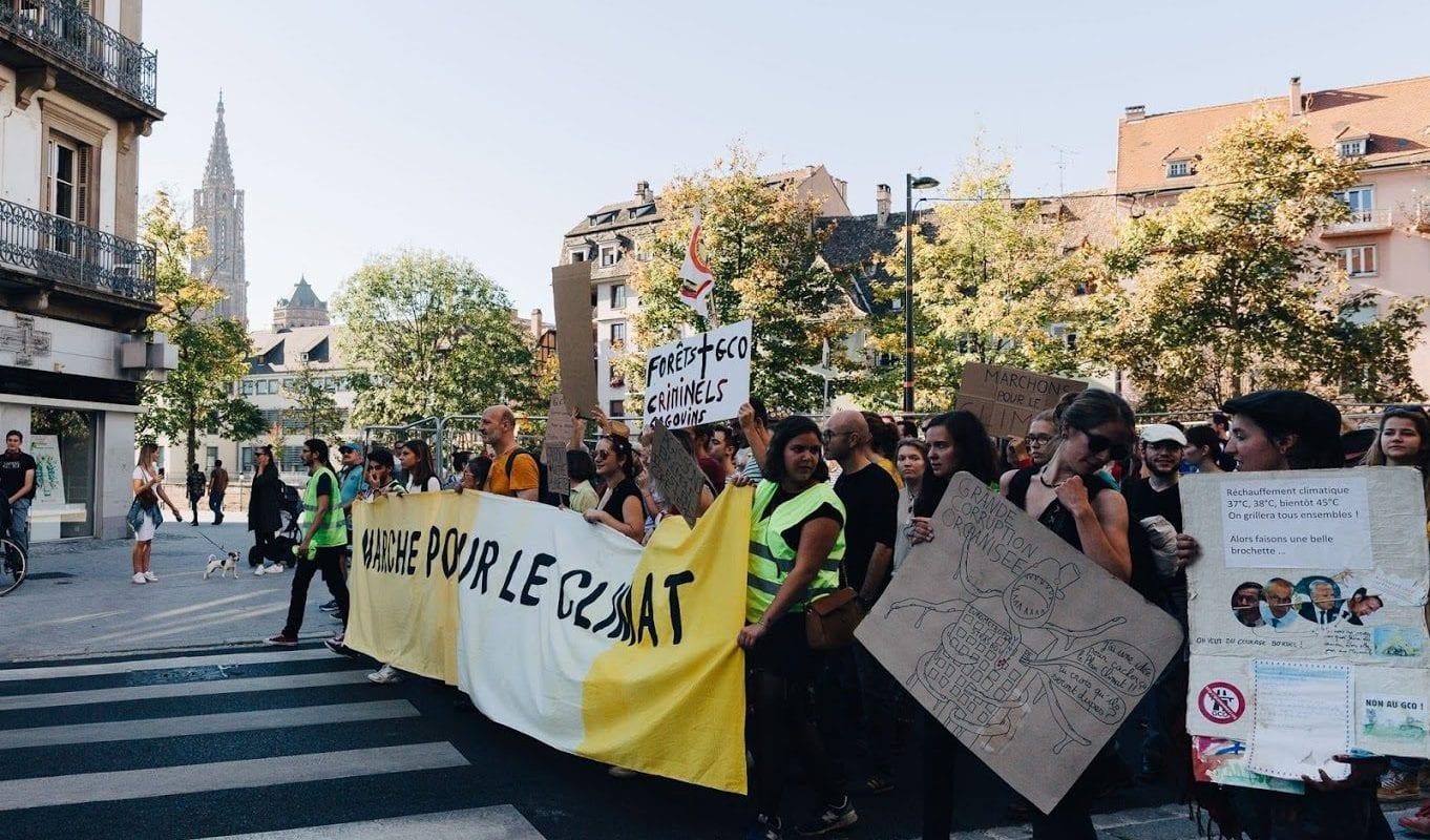 Gilets jaunes et marcheurs pour le Climat vont défiler ensemble autour du marché de Noël samedi
