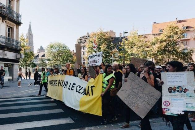 Il y avait déjà quelques gilets jaunes/verts (malgré eux ?) lors de la deuxième marche pour le climat le 13 octobre à Strasbourg (photo Abdesslam Mirdass)