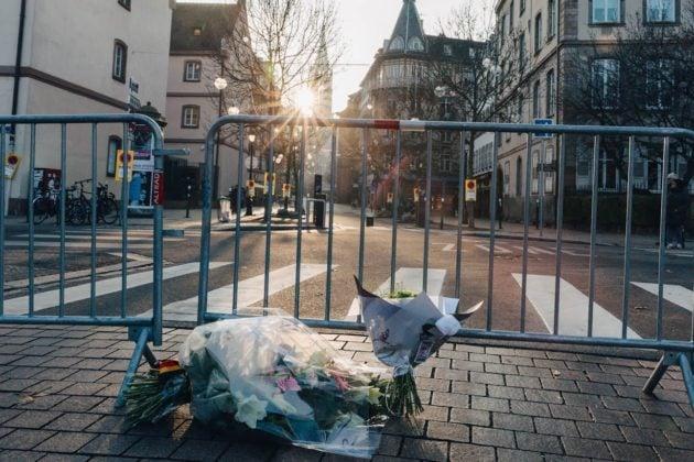 Hommages à l'entrée de la rue des Juifs (photo Abdesslam Mirdass)