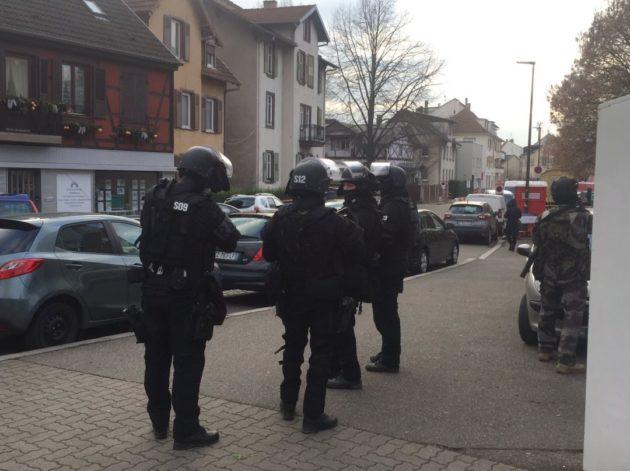 Le raid a été déployé vers 15h au début du Neudorf (Photo Ernesto Bel Grini)