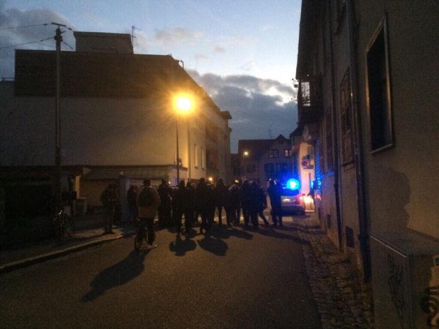 La rue de Belfort est toujours bloquée (Photo JFG / Rue89 Strasbourg / cc)