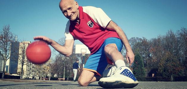 Félix Mazza, 73 ans : basketteur, clubbeur, champion de marche…
