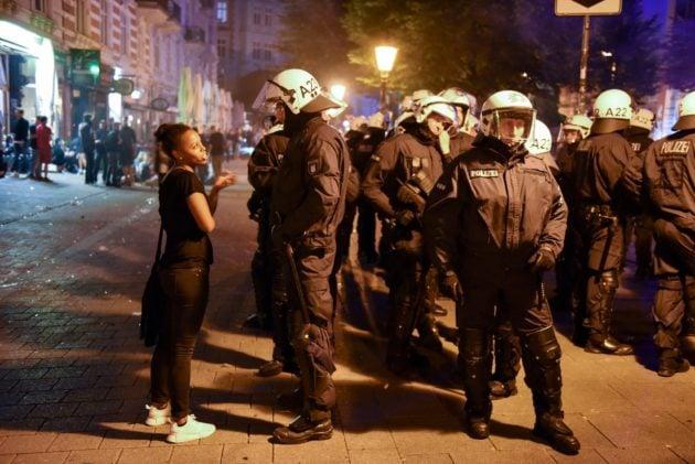 Plus de 15 000 policiers étaient mobilisés pour le sommet du G20 à Hambourg en 2017 (Photo Thorsten Schröder / Flickr / cc)