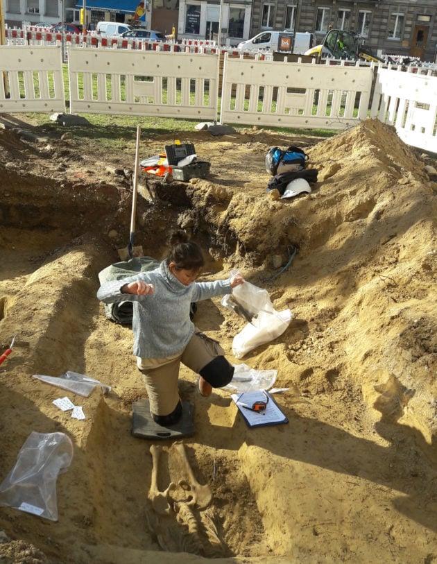 Le corps était intact lors de la découverte, avant de prélever les ossements. (Photo Robert Becker)