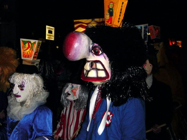 Le carnaval bâlois démarre dans la nuit (Photo Allie_Caulfield / Flickr / cc) (Photo Allie_Caulfield / Flickr / cc)