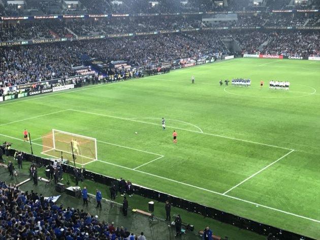 le premier tir au but de la finale à Lille (photo JFG / Rue89 Strasbourg / cc)
