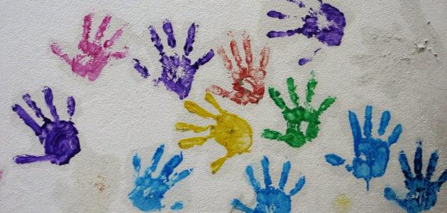 Manque de place, de moyens et de formation : la protection de l'enfance à bout de souffle