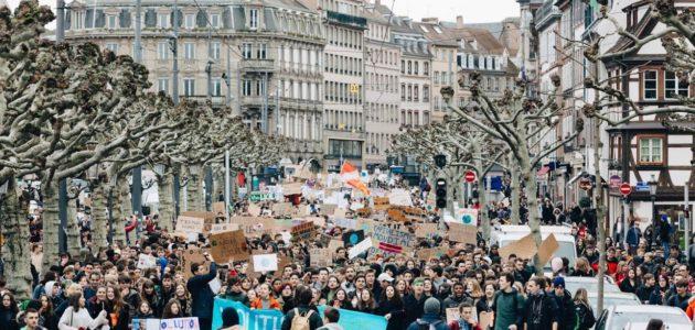 Strasbourg en éruption avec 5000 lycéens en défense de la planète
