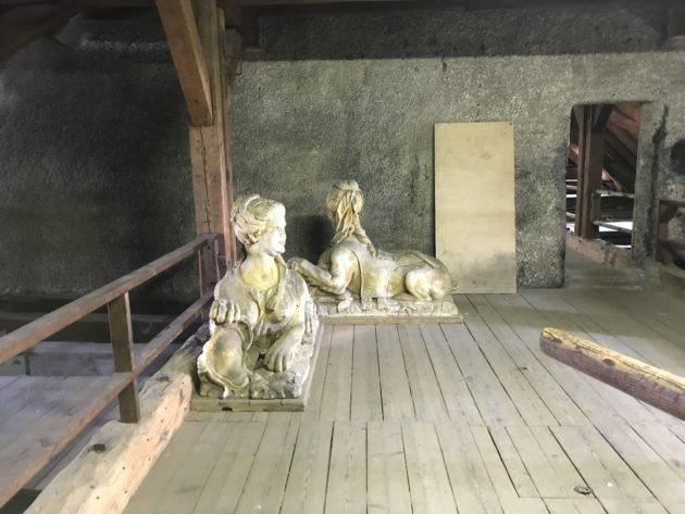 Deux statue sont stockées en ce moment (photo JFG / Rue89 Strasbourg)