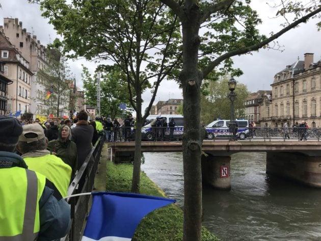 Le centre-ville est interdit aux manifestants (Photo JFG / Rue89 Strasbourg / cc)