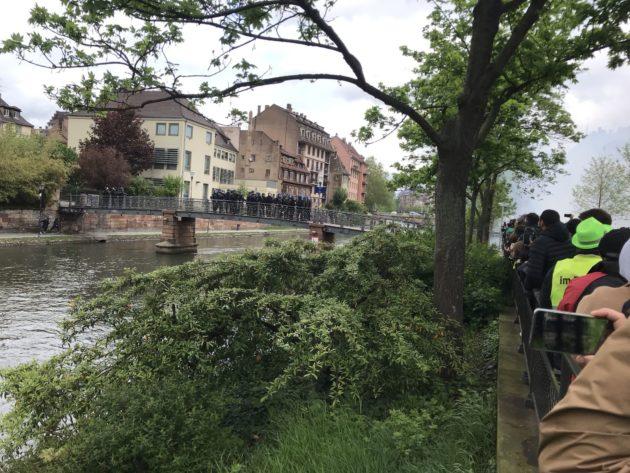 ... et quelques secondes après la première grenade lacrymogène (Photo JFG / Rue89 Strasbourg / cc)