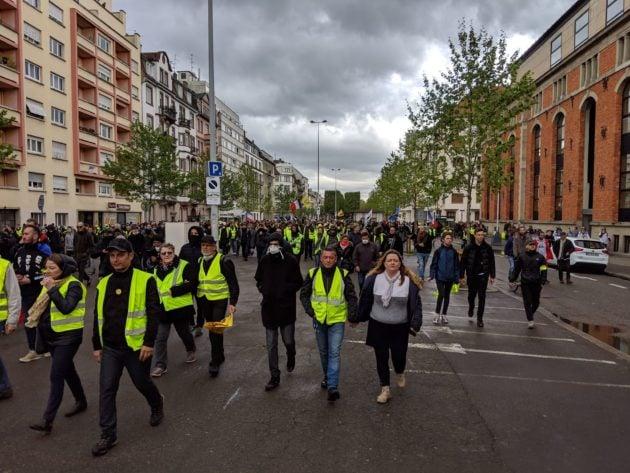 La cortège descend le boulevard de la Marne (Photo GK / Rue89 Strasbourg / cc)