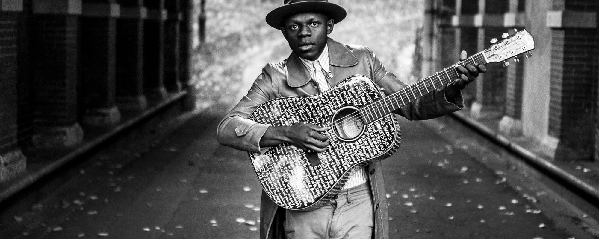 J.S. Ondara raconte son rêve folk américain à l'Espace Django vendredi