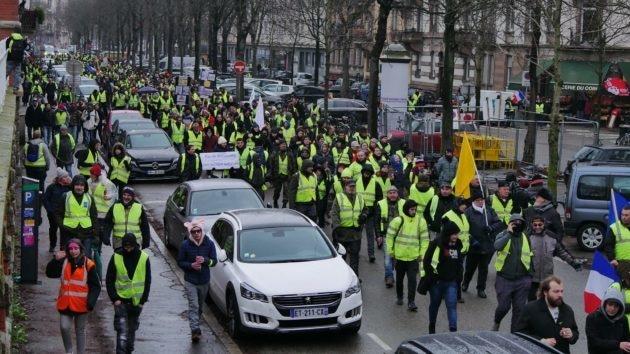 La préfecture craint des «individus radicaux en nombre important» et des «actions violentes» ce samedi