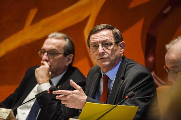 Après être devenu le plus grand défenseur du GCO, le président de l'Eurométropole Robert Herrmann (PS) porte désormais un Plan Climat. (photo Pascal Bastien / Divergence)