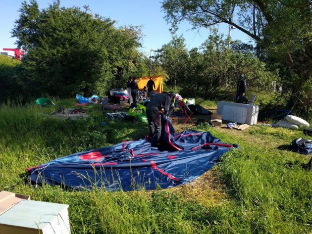 Évacuation d'un camp de migrants aux Ducs d'Alsace. (Photo PF / Rue89 Strasbourg / cc)