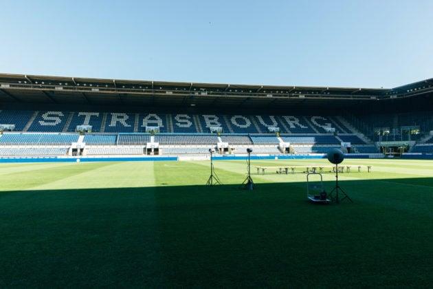 Un étage sera ajouté une des deux grandes tribunes (photo Abdesslam Mirdass)