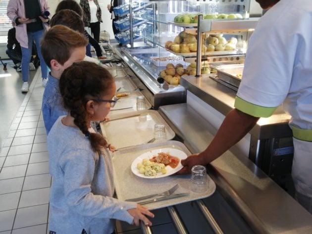 La Ville de Strasbourg espère inciter les parents à inscrire leurs enfants au menu végétarien en baissant le prix de 30 centimes.