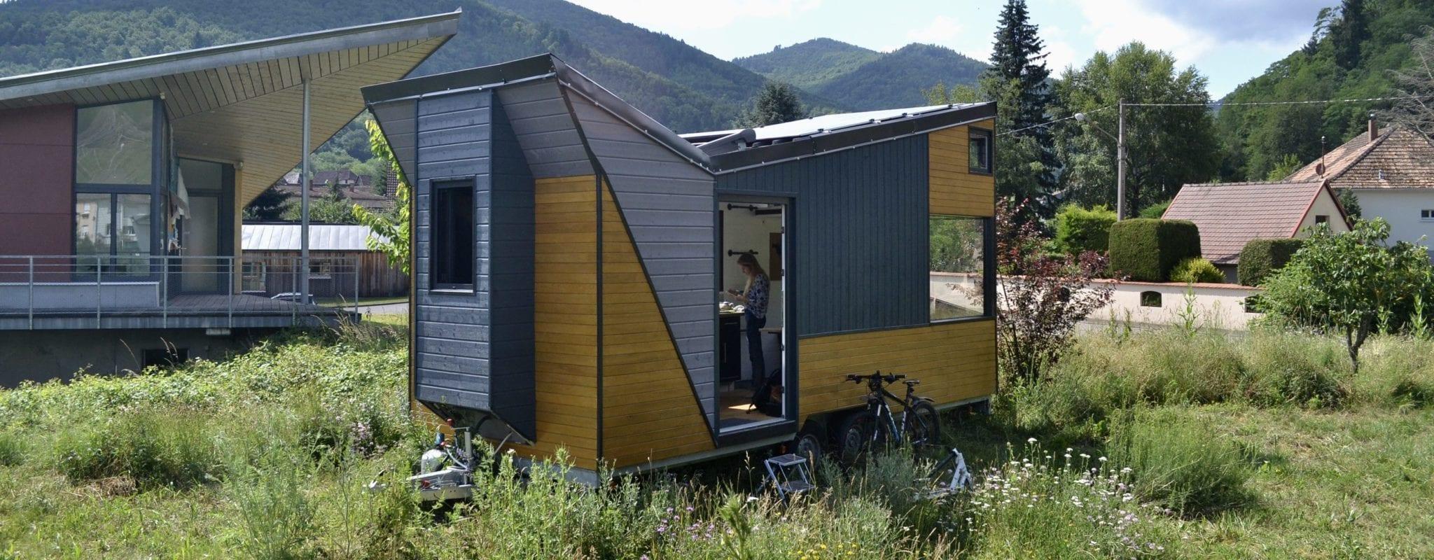 Écolos et autonomes, Lars et Laura s'installent dans une «toute petite maison»