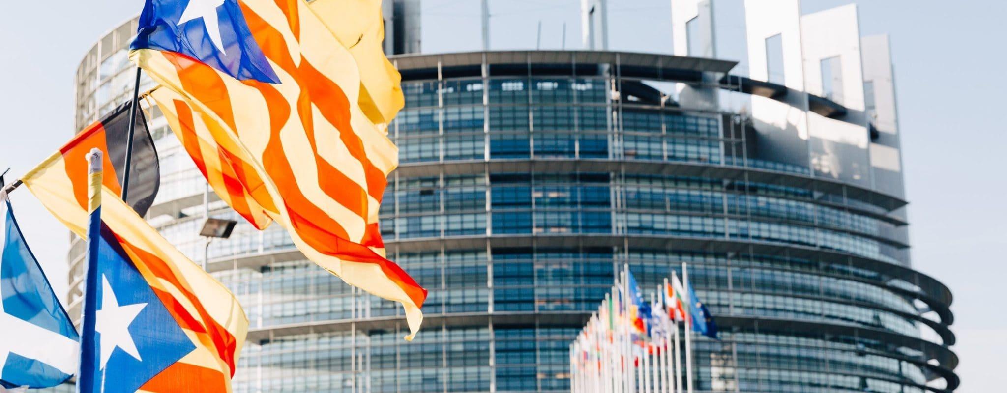 Démonstration d'indépendantistes catalans devant le Parlement européen