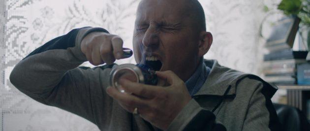 Avec un personnage de père associable et proche du point de rupture comme celui joué par Éric Sobkow, le réalisateur interroge la marginalité de ses acteurs non-professionnels. (Photo : doc.remis)
