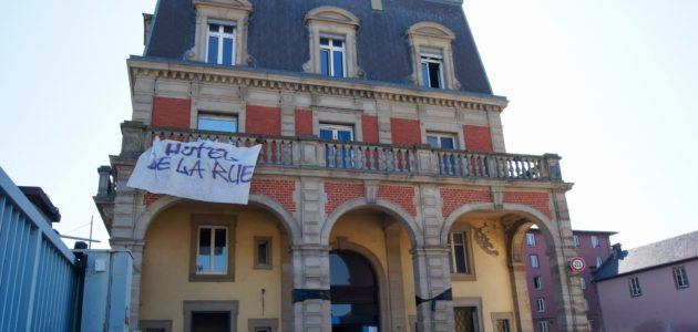 La municipalité abandonne les poursuites contre l'Hôtel de la Rue