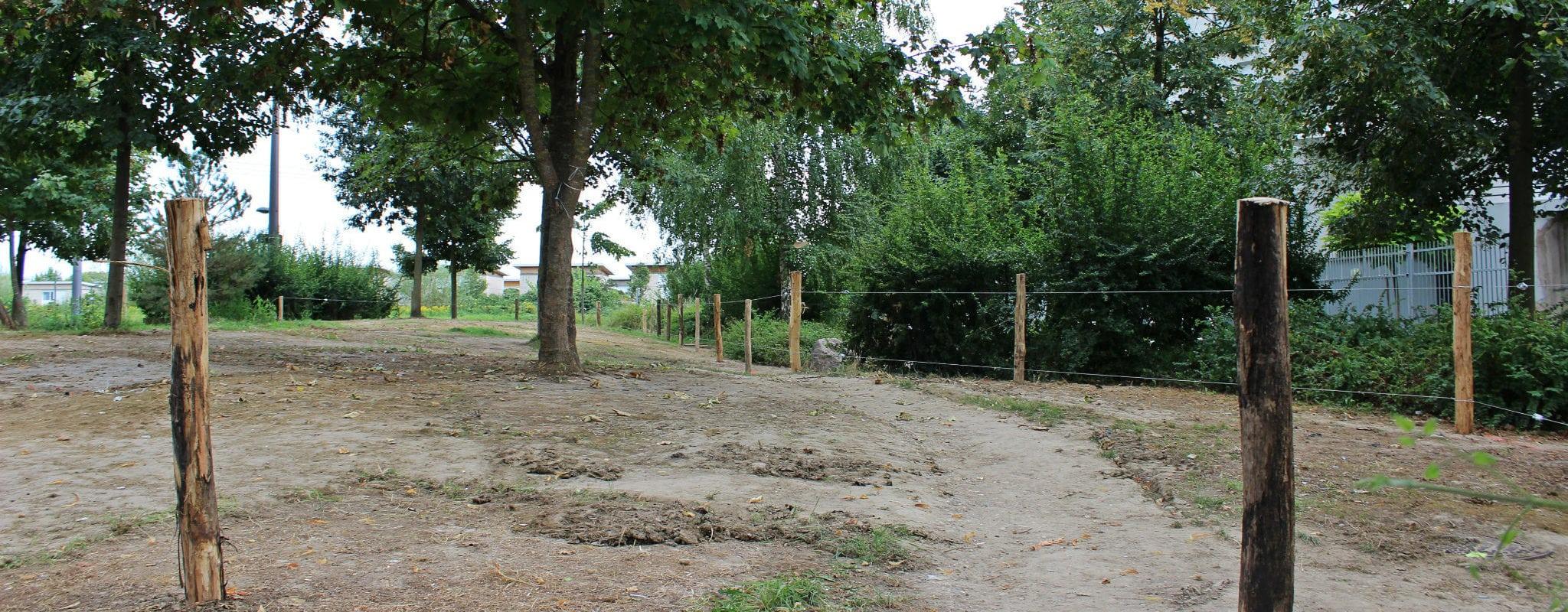 Après le démantèlement, la Ville clôture le terrain des Canonniers