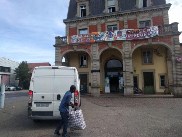 Entre 140 et 150 personnes logent au squat Gruber, qui affiche complet (Photo PF / Rue89 Strasbourg / cc)