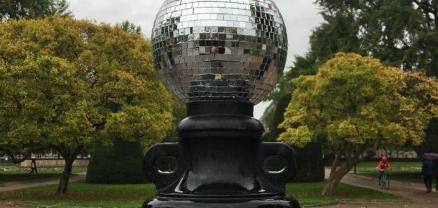 Des boules à facettes de Disco Invaders brillent à Strasbourg