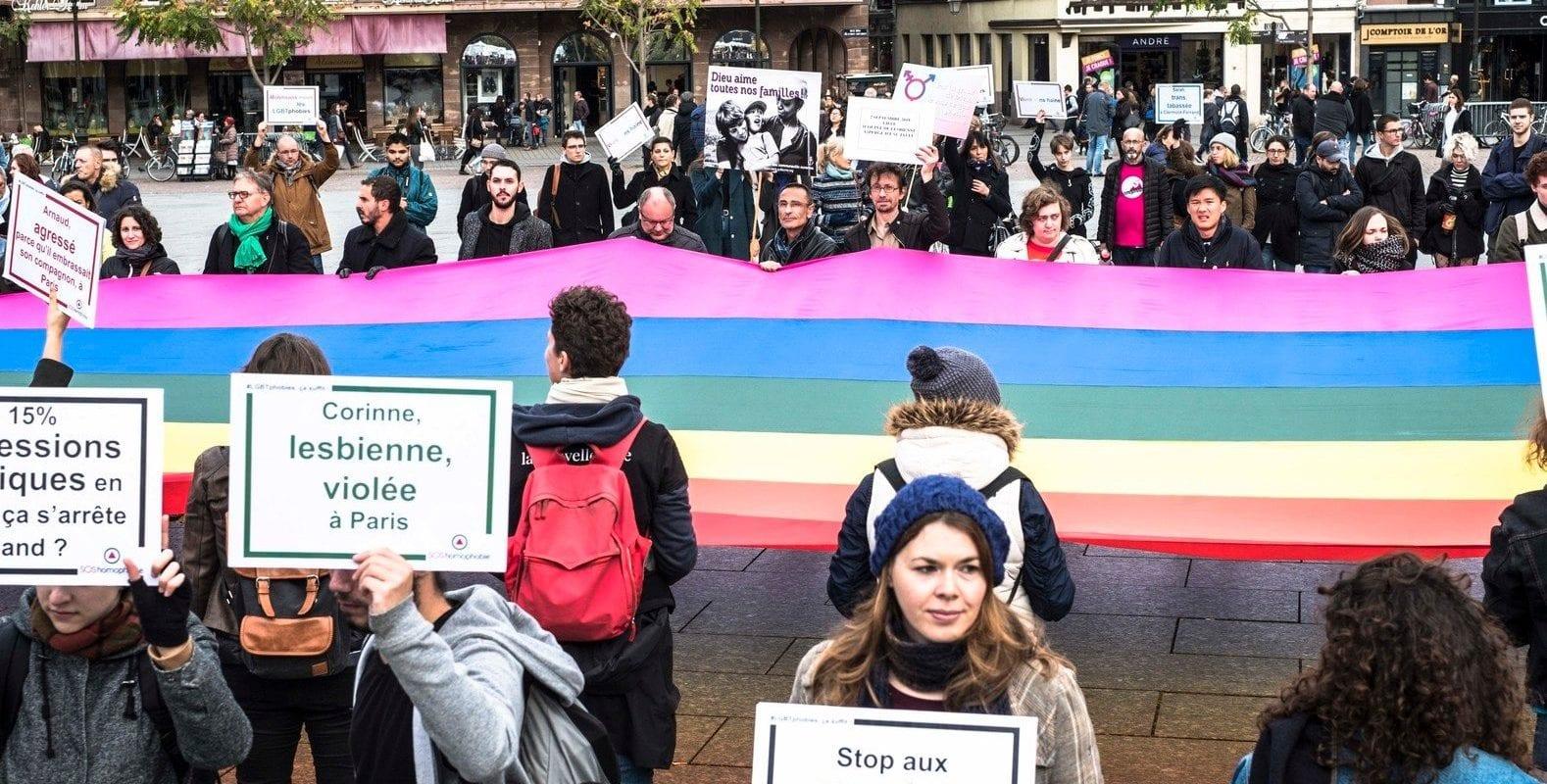 """""""Les femmes lesbiennes, bi et trans sont aussi victimes de violence"""""""