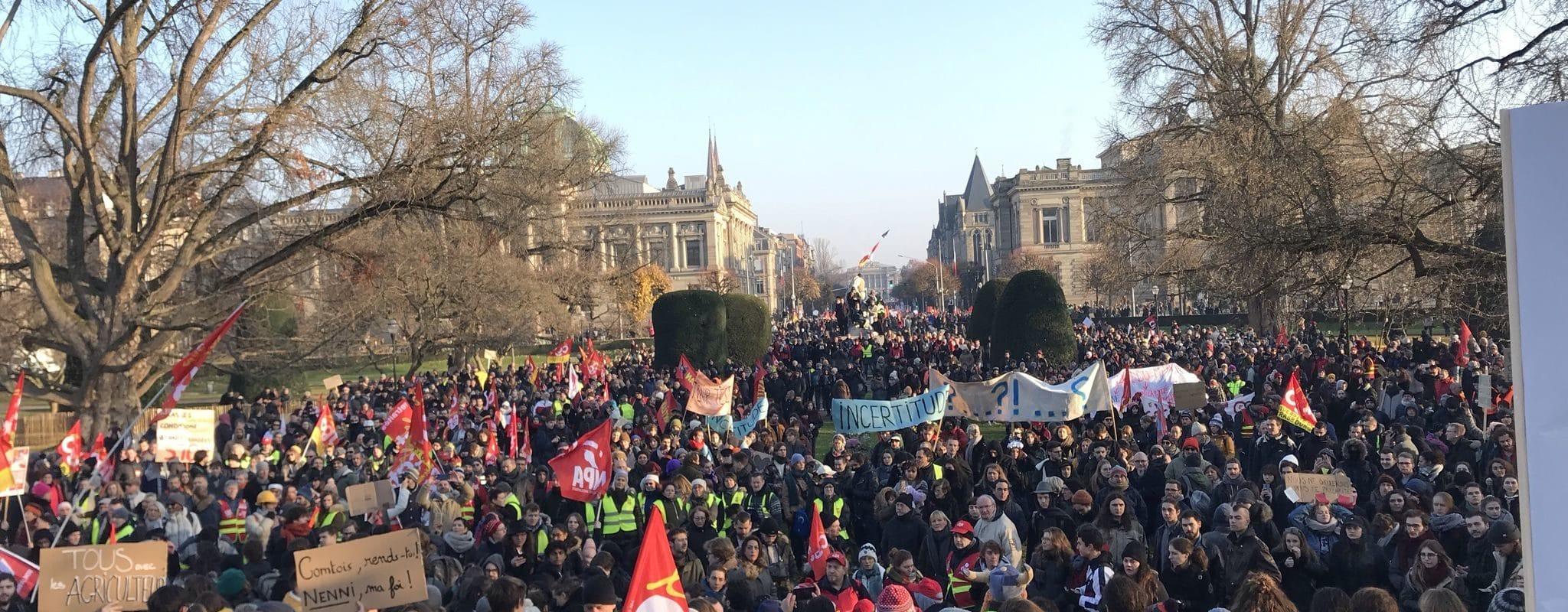 Environ 10000 personnes défilent contre la réforme des retraites